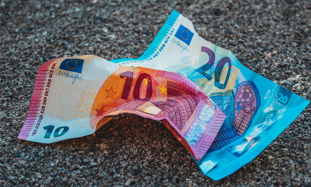 Comprar Euro Morar na Europa Ganhar em Euros